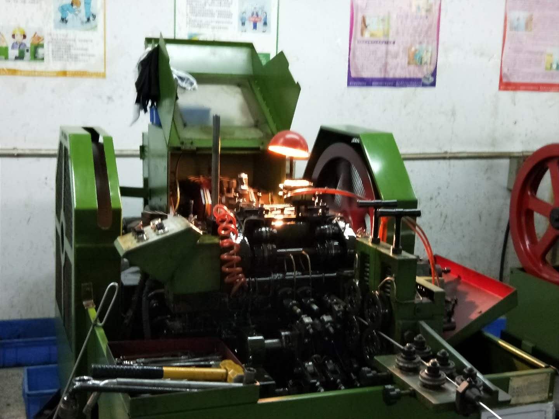 抽芯铆钉生产的设备